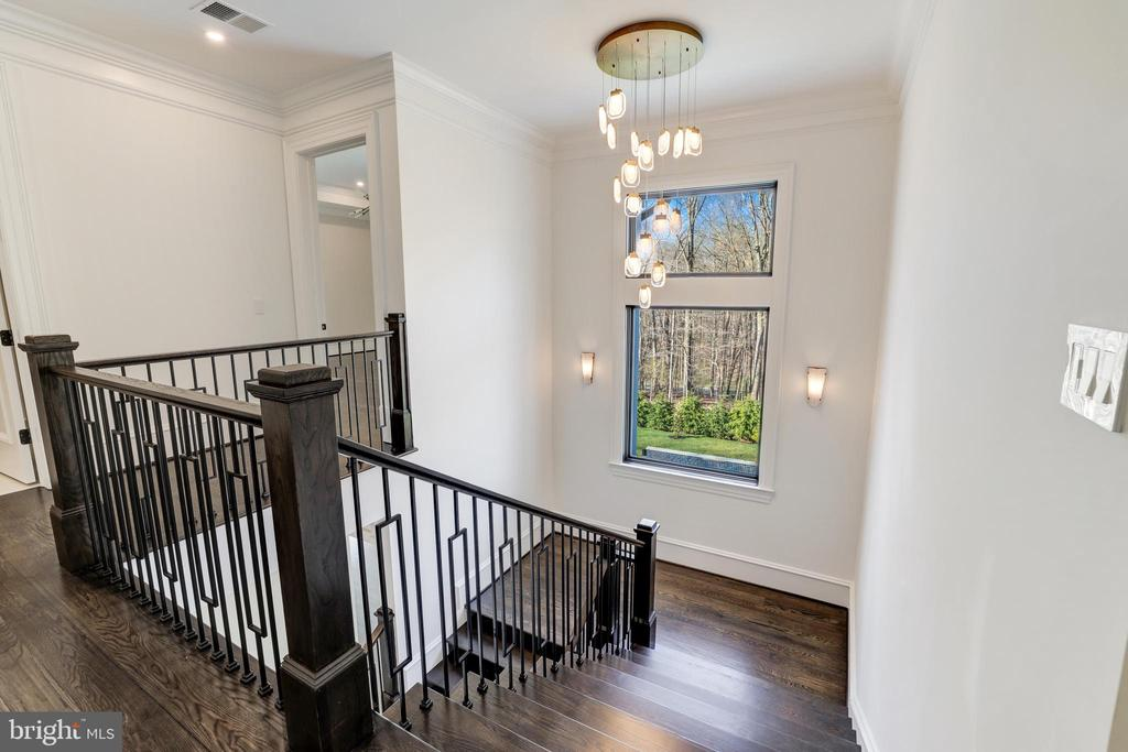 Unique and Beautiful Lighting Throughout - 1332 MCCAY LN, MCLEAN