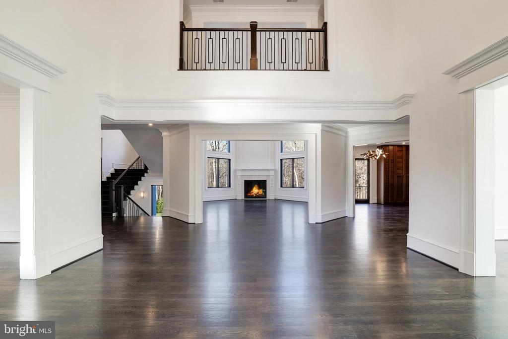 Foyer / Reception Hall - Open to Upper Level - 1332 MCCAY LN, MCLEAN