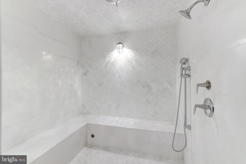 Steam Shower - 1332 MCCAY LN, MCLEAN