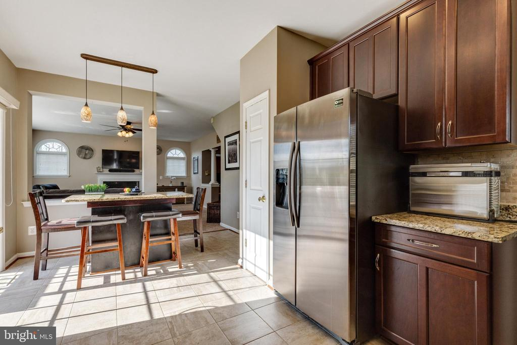 Kitchen includes pantry - 15659 ALTOMARE TRACE WAY, WOODBRIDGE