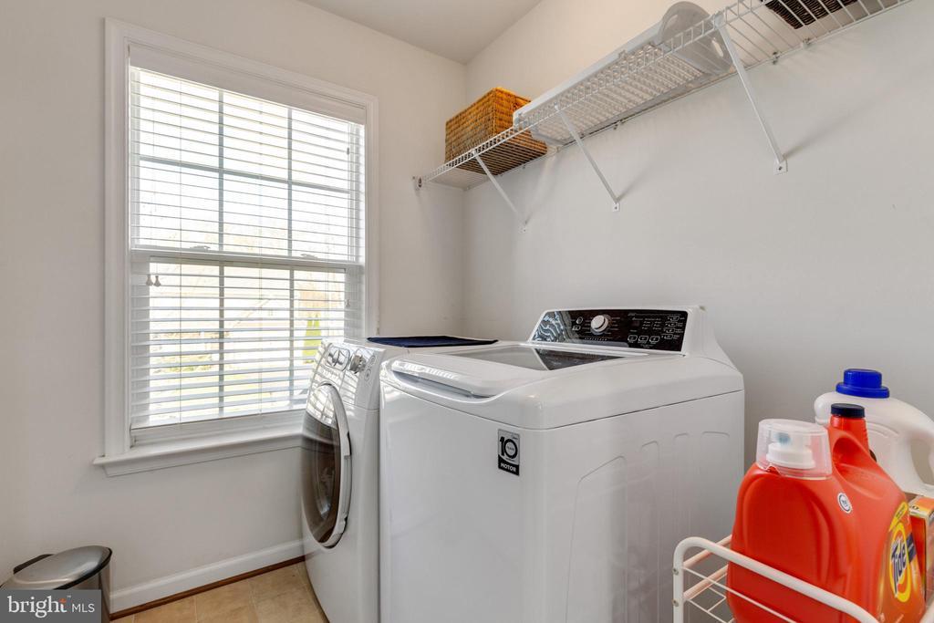 Bedroom Level Laundry - 15659 ALTOMARE TRACE WAY, WOODBRIDGE