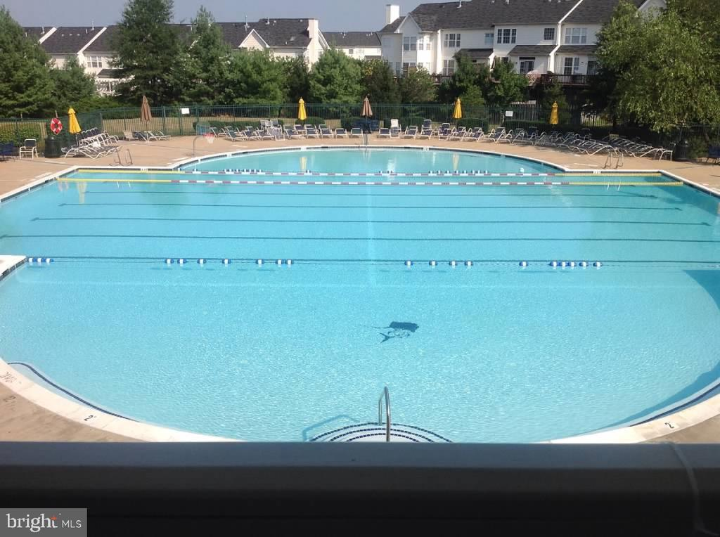 Outdoor community pool was recently renovated! - 43191 BURSTALL CT, LEESBURG