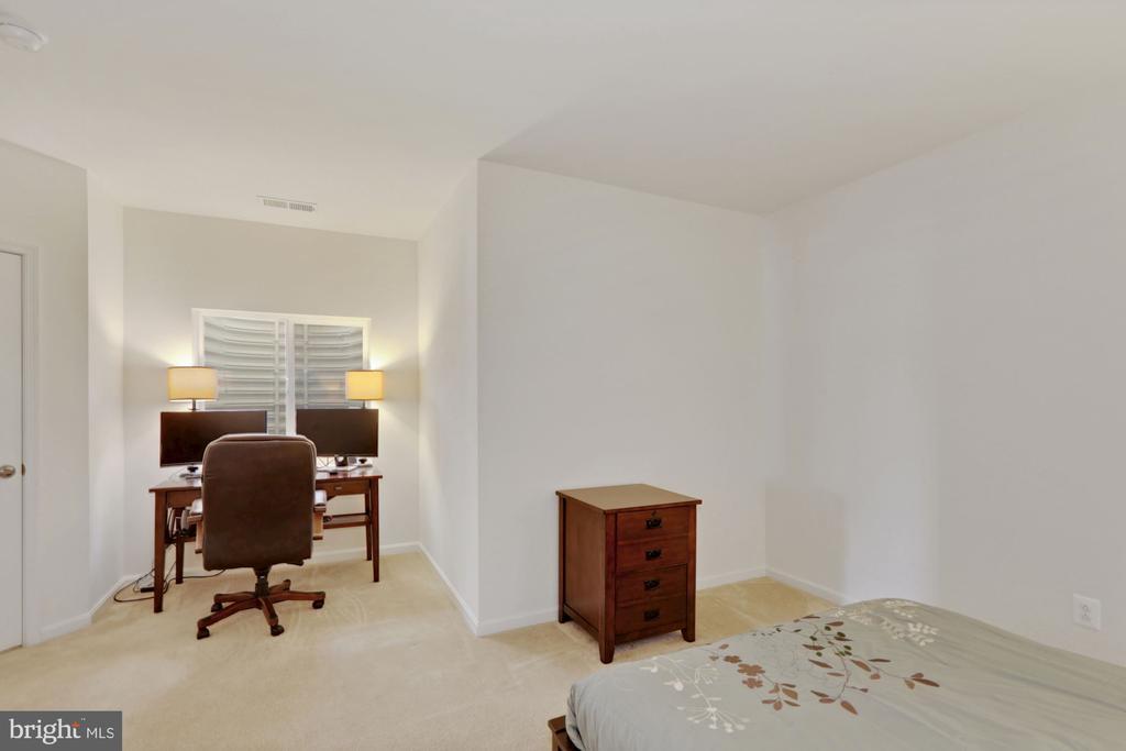 Lower Level Bedroom - 21251 FAIRHUNT DR, ASHBURN