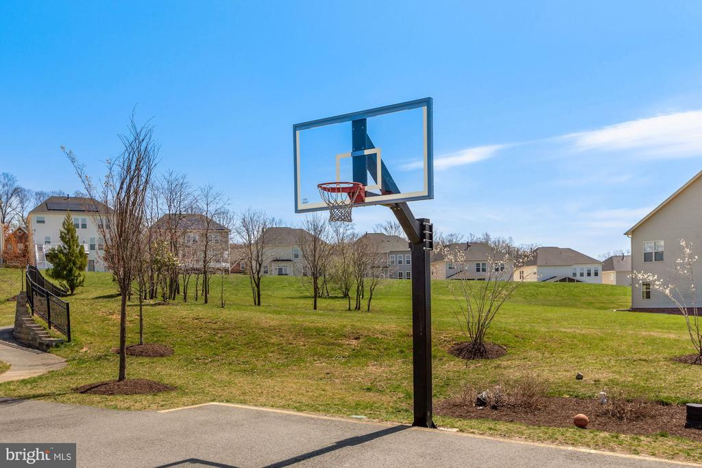 Basketball Court - 21251 FAIRHUNT DR, ASHBURN