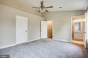 Second bedroom walk in closet and Bath - 206 CROSSING RD, FREDERICKSBURG