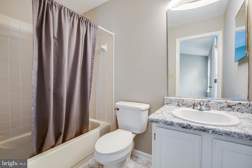 2nd Bath NEW countertop, sink & toilet - 206 CROSSING RD, FREDERICKSBURG