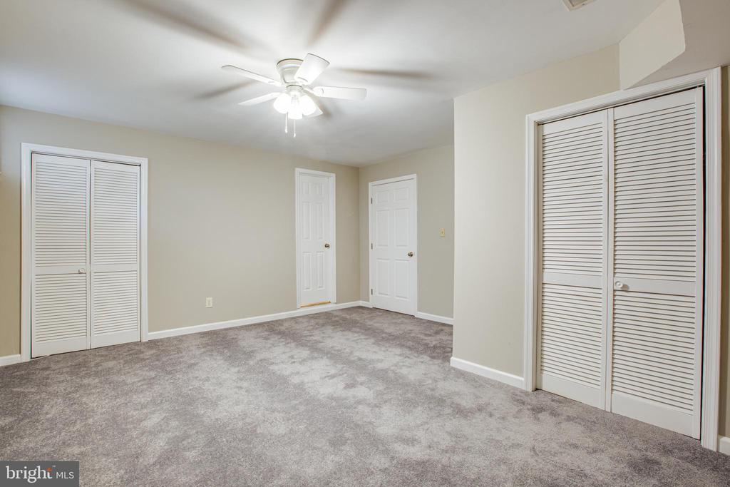 Could be 3rd bedroom, has a full bath - 206 CROSSING RD, FREDERICKSBURG