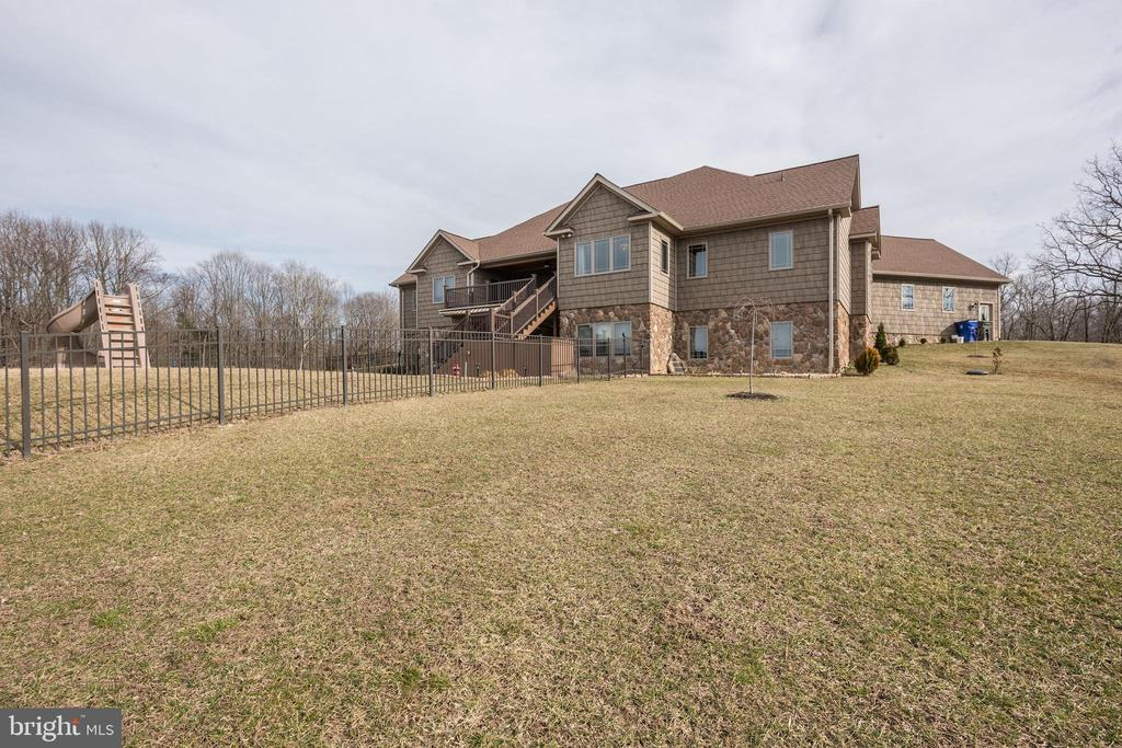 Back View - 7235 WOODVILLE RD, MOUNT AIRY