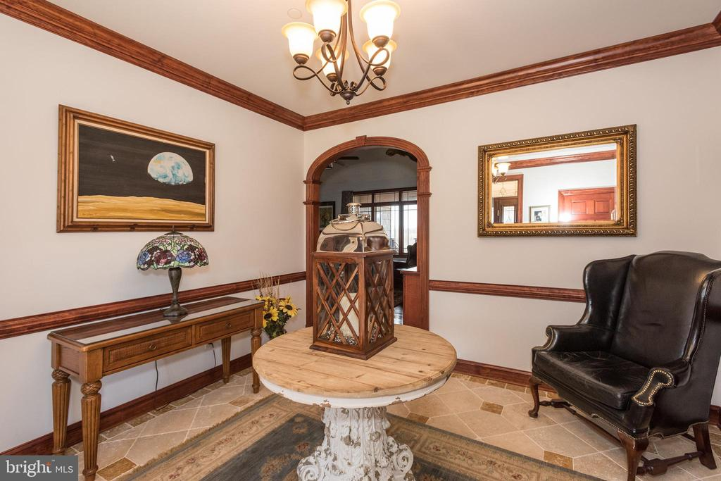 Main Foyer - 7235 WOODVILLE RD, MOUNT AIRY