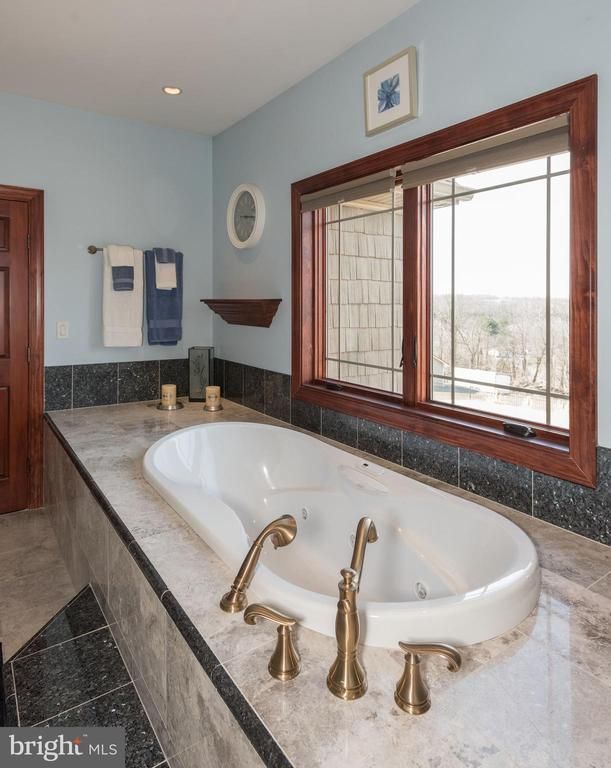 Master Bath - 7235 WOODVILLE RD, MOUNT AIRY
