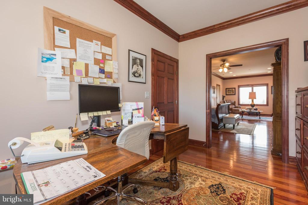 Main level office - 7235 WOODVILLE RD, MOUNT AIRY