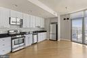 Gourmet kitchen - 3600 S GLEBE RD #310W, ARLINGTON
