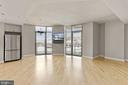 Large living area - 3600 S GLEBE RD #310W, ARLINGTON
