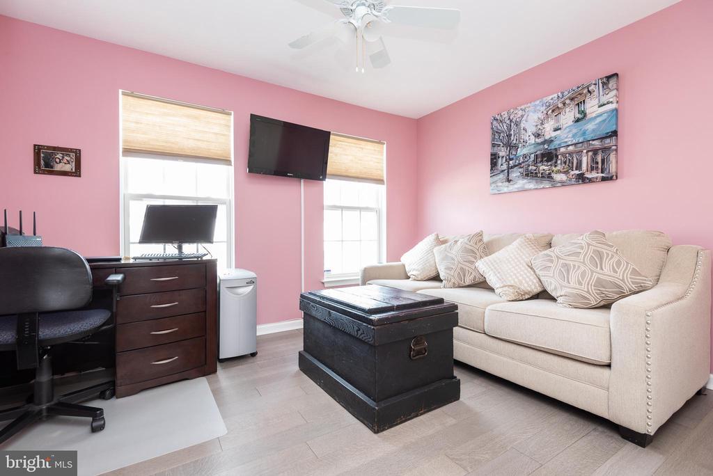2nd bedroom - 20261 MACGLASHAN TER, ASHBURN