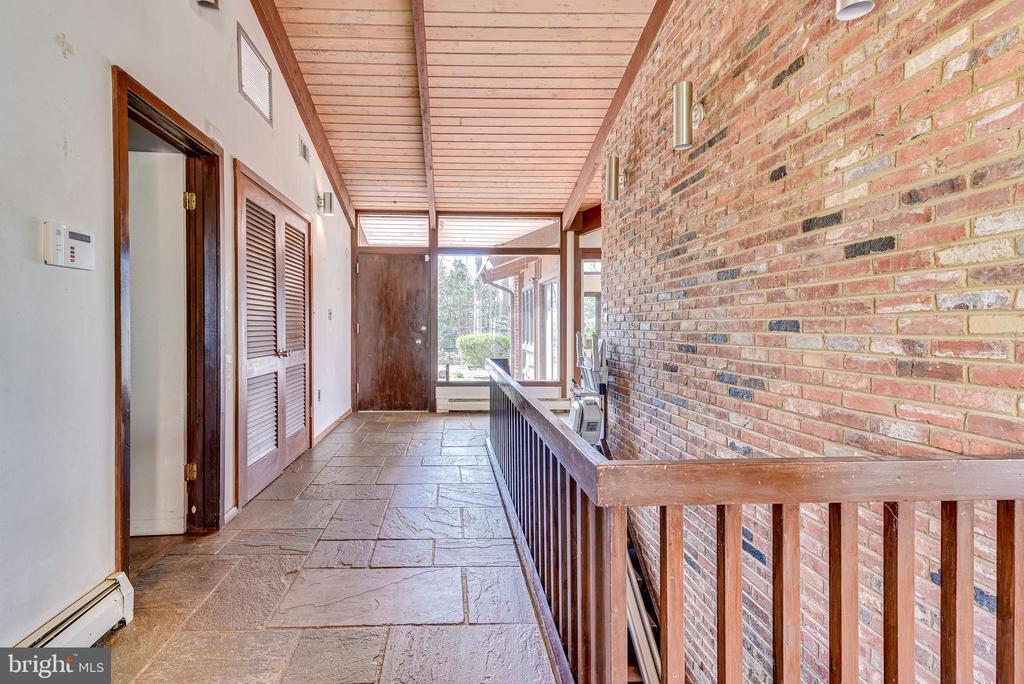 Foyer - 10535 VALE RD, OAKTON