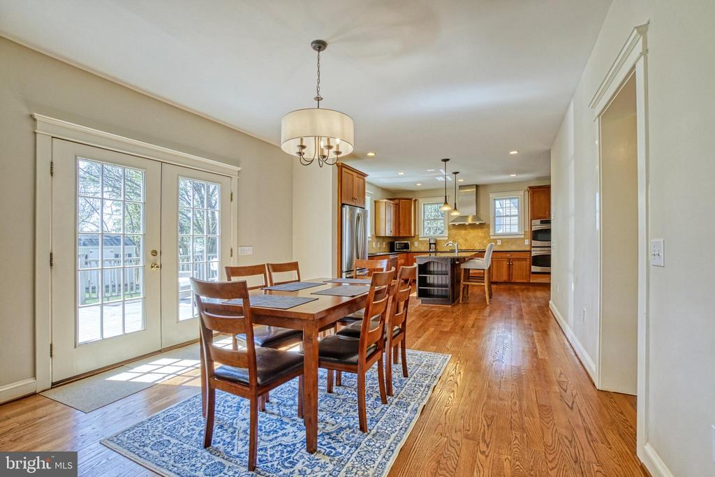 Kitchen with bright breakfast area. Access to deck - 6519 ELMHIRST DR, FALLS CHURCH