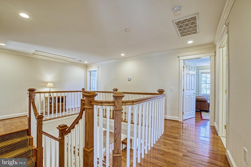 2nd floor hallway. - 6519 ELMHIRST DR, FALLS CHURCH