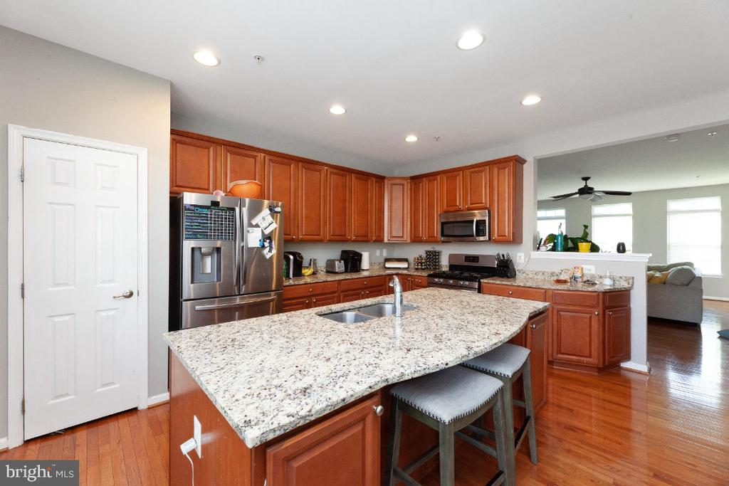 Spacious Kitchen - 702 WAVELAND AVE, CAPITOL HEIGHTS
