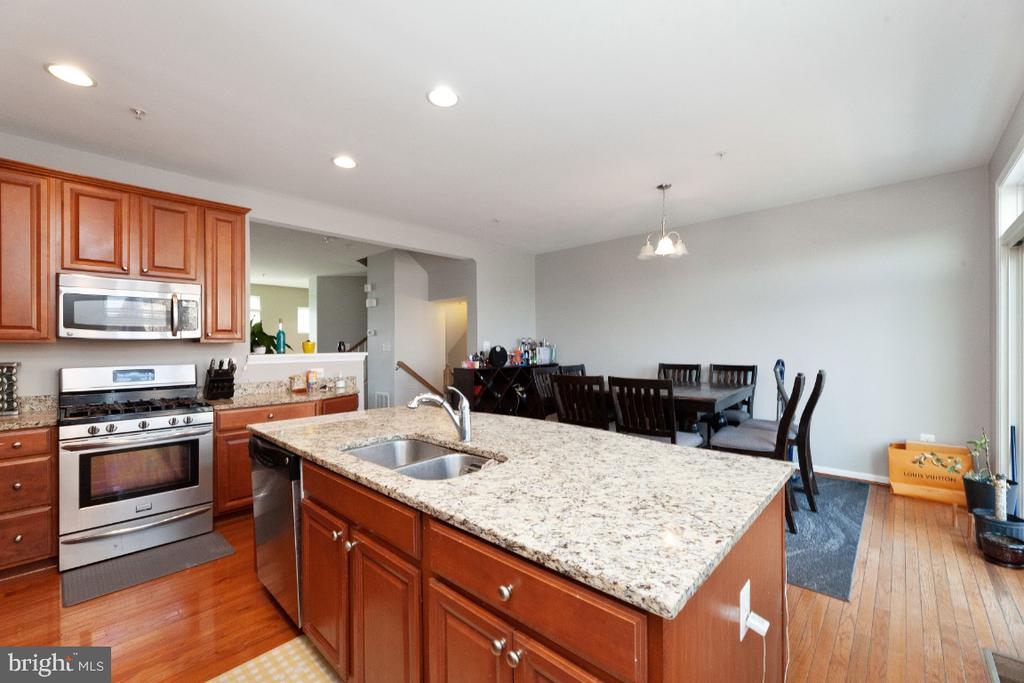 Large kitchen and eating area - 702 WAVELAND AVE, CAPITOL HEIGHTS