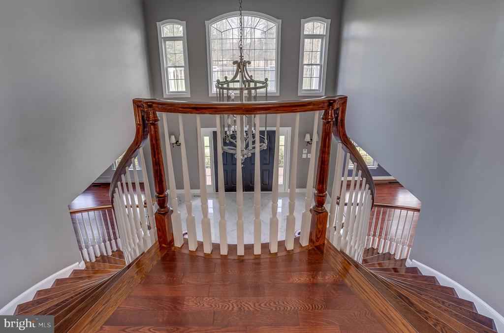 Beautiful 2nd Level Landing Area - 22441 BEAVERDAM DR, ASHBURN