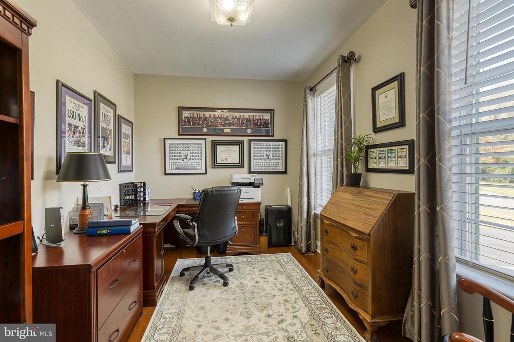 Spacious office - 3 LEGAL CT, STAFFORD
