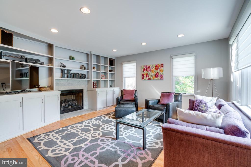 Main Level Family Room with Loads of Storage - 8800 TRAFALGAR CT, SPRINGFIELD
