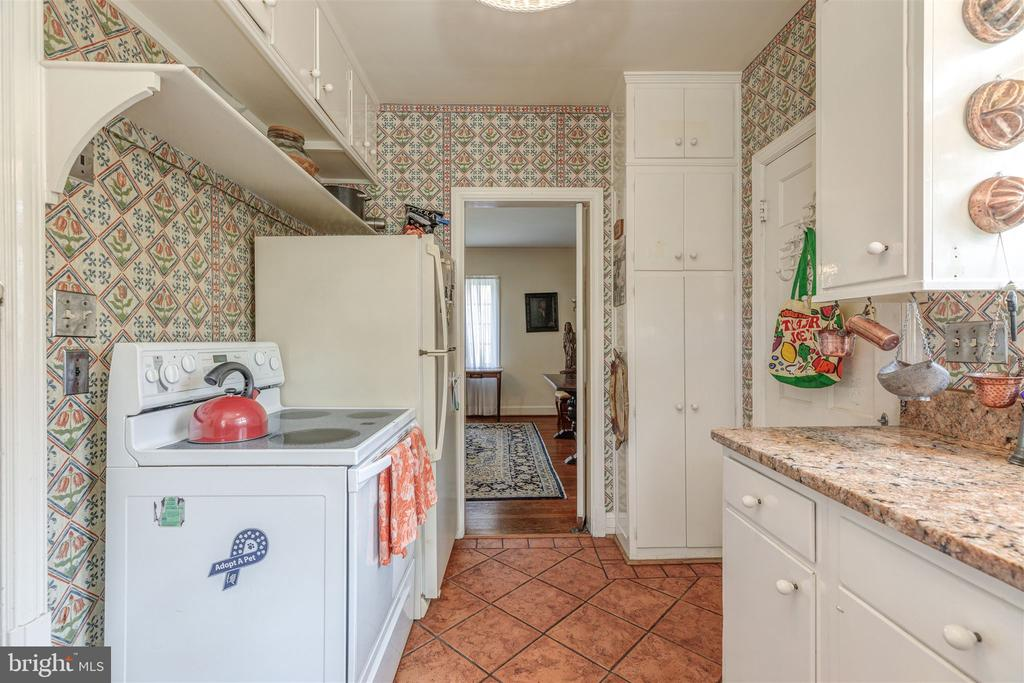 Kitchen - 3835 MACOMB ST NW, WASHINGTON