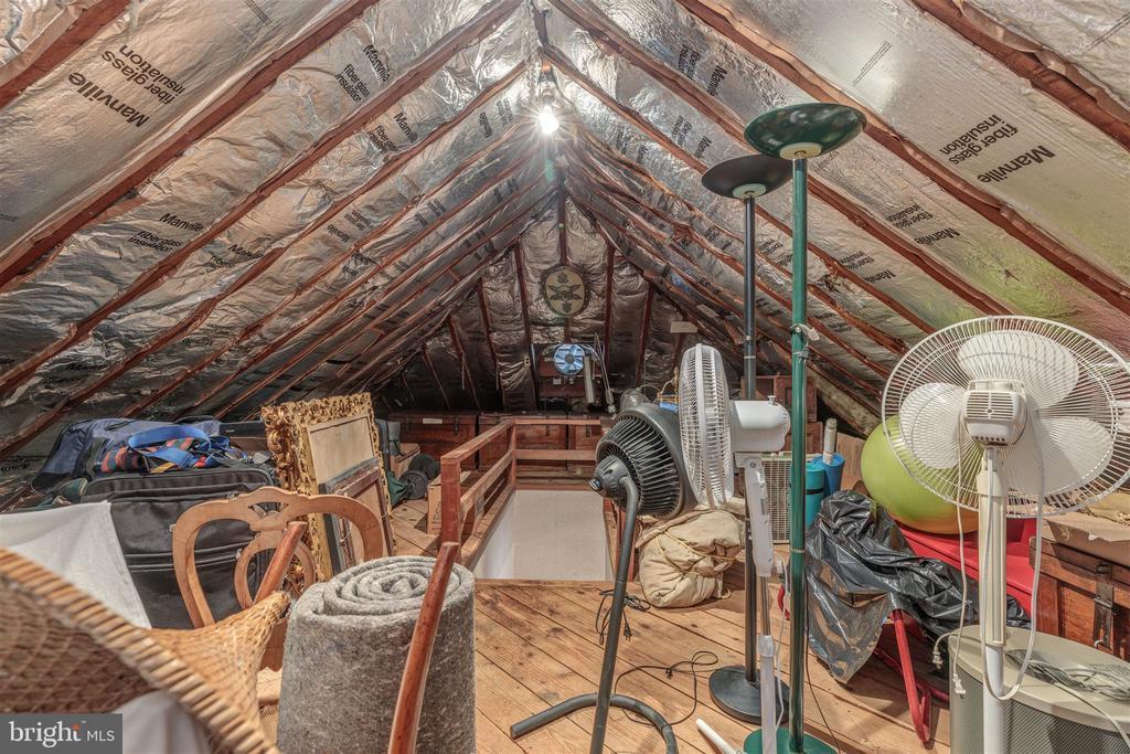 Extra Attic Storage - 3835 MACOMB ST NW, WASHINGTON