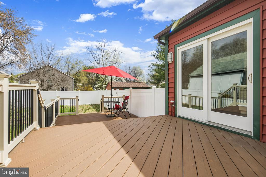 2 level deck great for entertaining - 15 SUNNY WAY, THURMONT