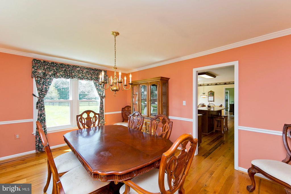 Dining room - 35951 ASHBY FARM CIR, HILLSBORO