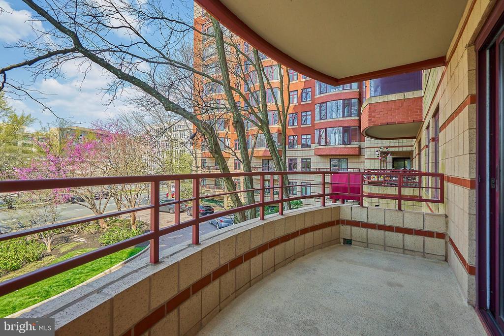 Balcony - 2400 CLARENDON BLVD #214, ARLINGTON