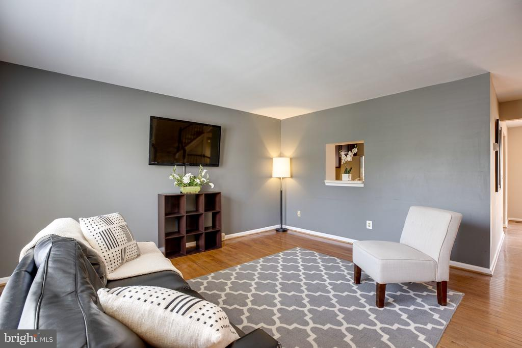 Living Room - 6514 SHARPS DR, CENTREVILLE