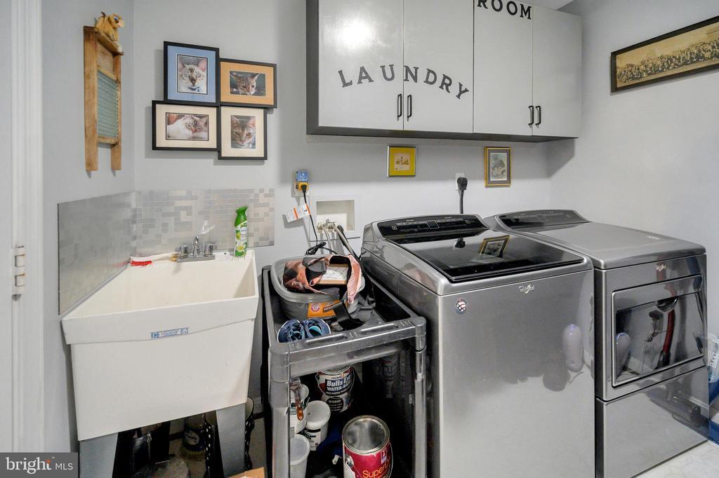 Upper laundry - 105 JEFFERSON AVE, LOCUST GROVE