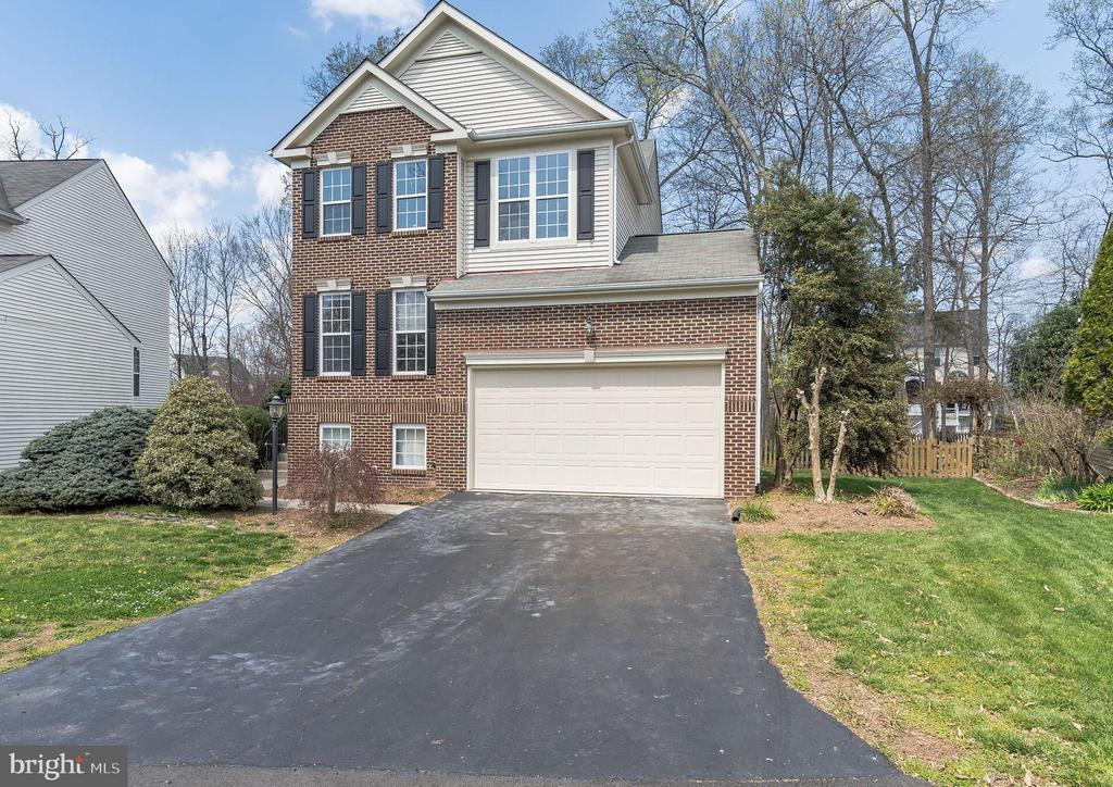 Four bedrooms two and one half baths - 43446 RANDFIELD LN, CHANTILLY