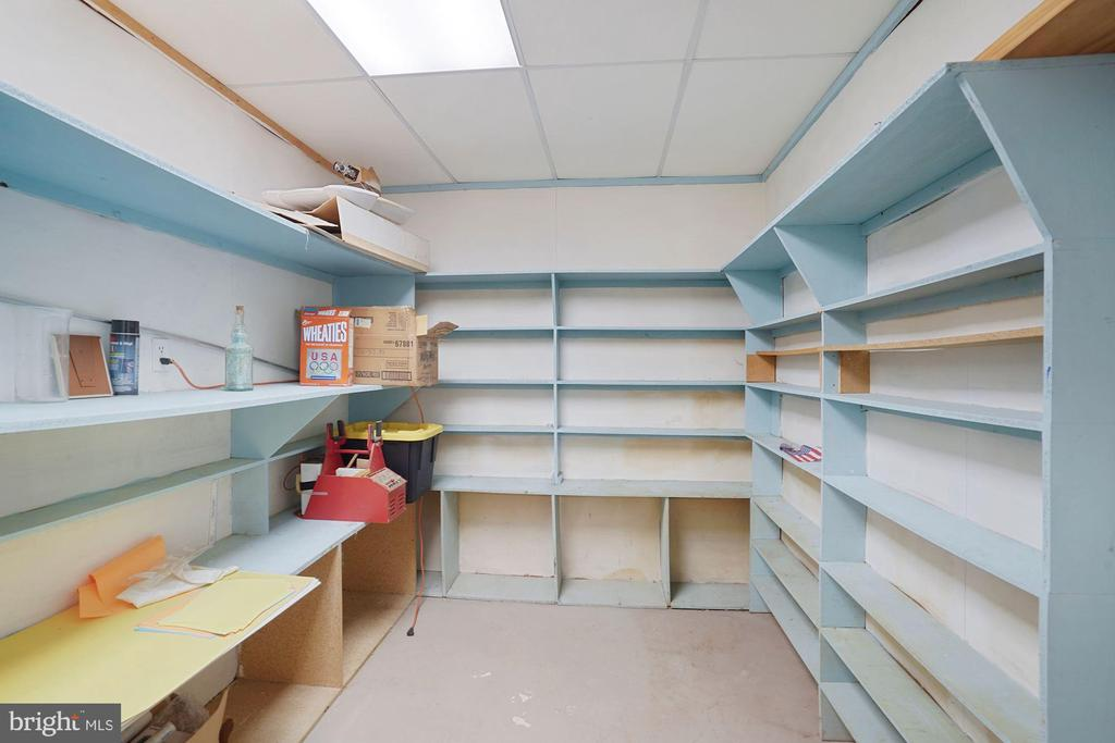 Extra storage room - 11935 RIDERS LN, RESTON