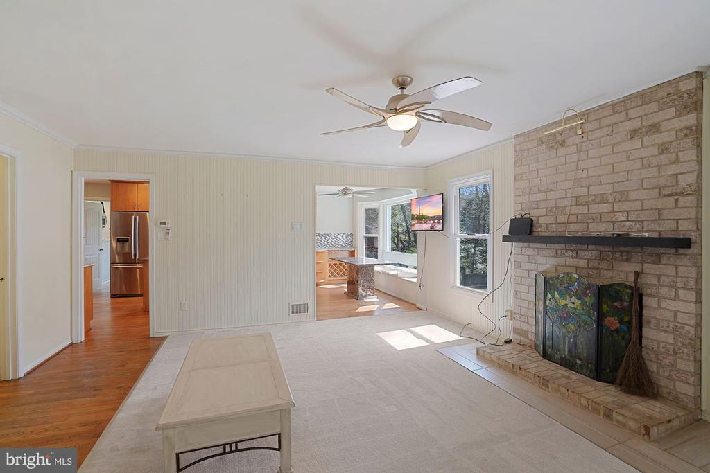 Cozy family room off kitchen w/fireplace - 11935 RIDERS LN, RESTON