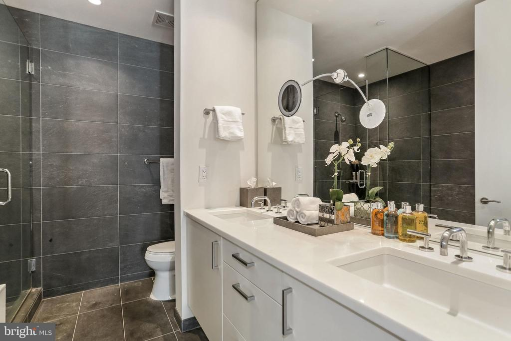 Sumptuous master bathroom with marble double sinks - 1177 22ND ST NW #4G, WASHINGTON