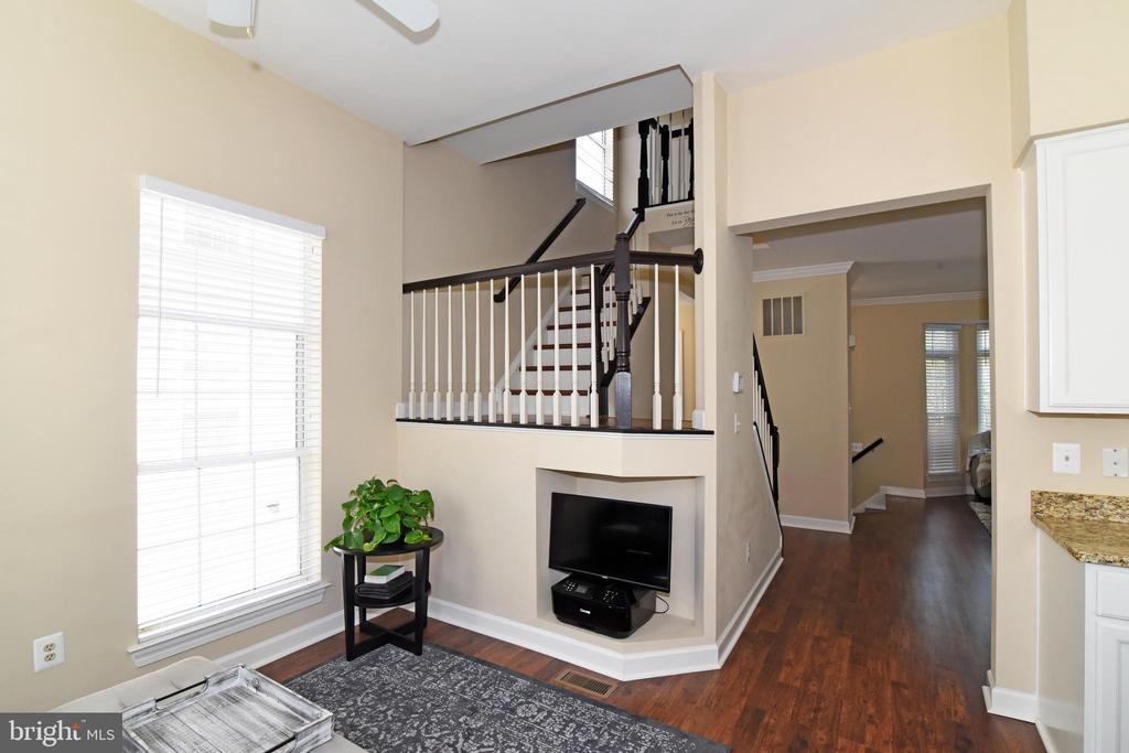 View of Open Stairs. - 47641 WEATHERBURN TER, STERLING