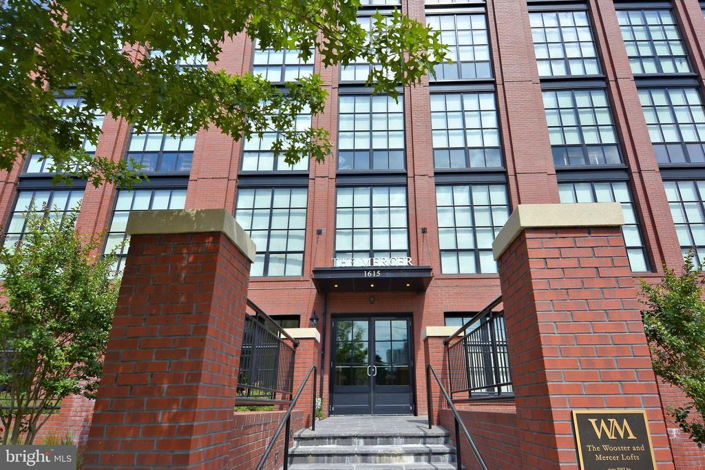 Exterior of Mercer Lofts - 1615 N QUEEN ST #M204, ARLINGTON