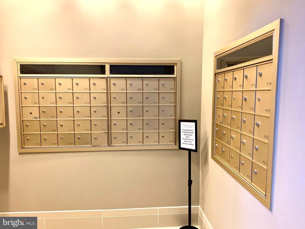Mail - 1641 INTERNATIONAL DR #104, MCLEAN