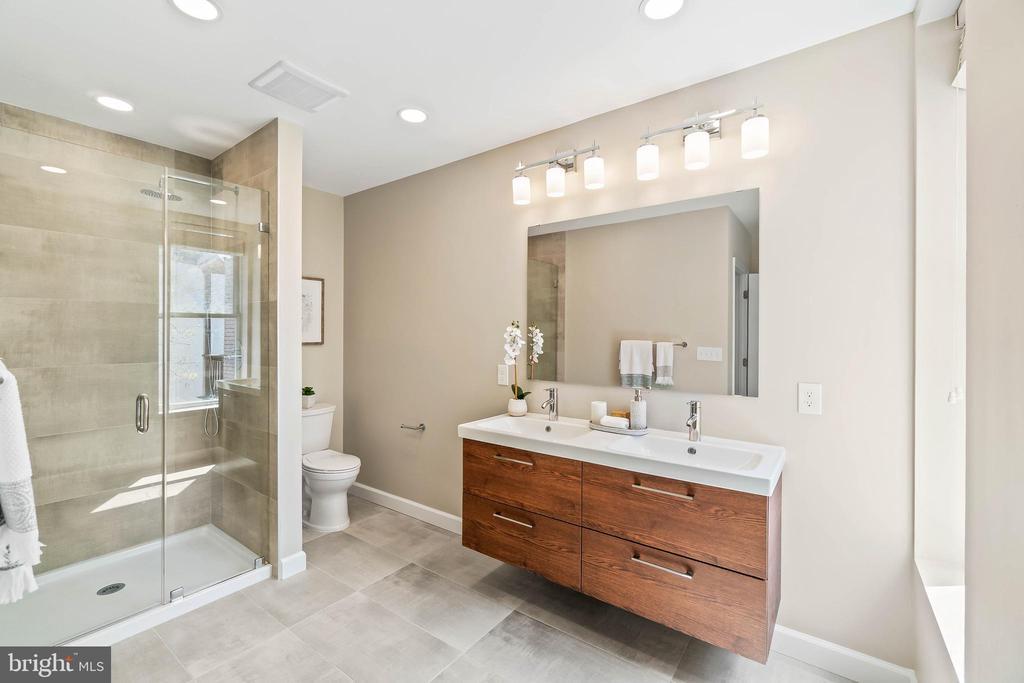 Owner Bath, Marble & Glass Shower - 1003 FLORIDA AVE NE, WASHINGTON