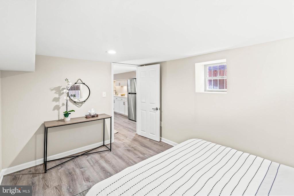 Basement bedroom - 1003 FLORIDA AVE NE, WASHINGTON