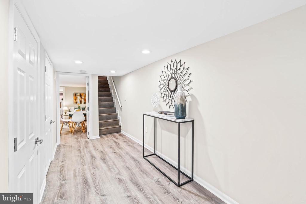 Basement with interior stairs - 1003 FLORIDA AVE NE, WASHINGTON