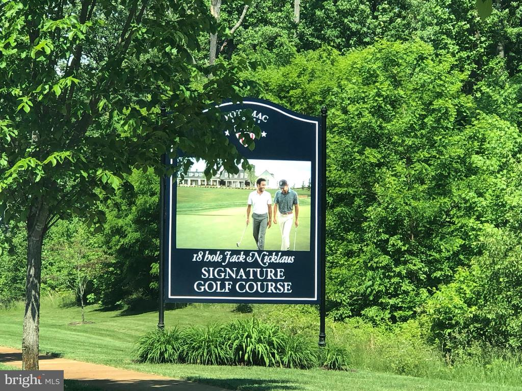 Public Jack Nicklaus Golf Course - 1857 SHADDING BAY LN, DUMFRIES