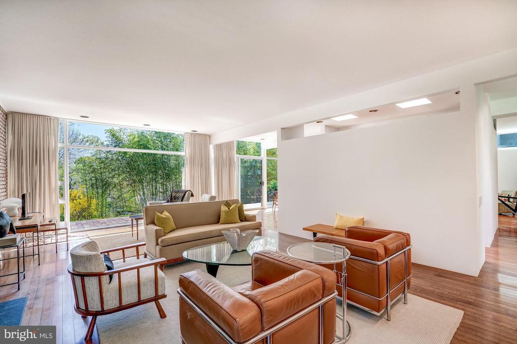 Living Room - 3206 ROWLAND PL NW, WASHINGTON