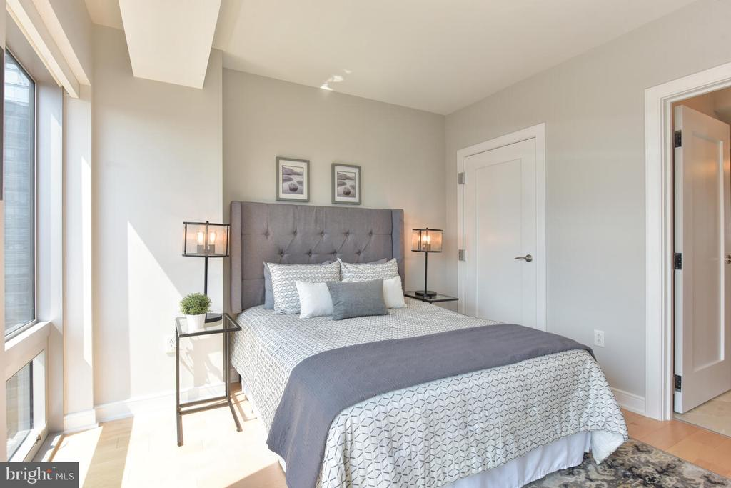 Bedroom connects to Marble Bath - 1111 19TH ST N #2006, ARLINGTON