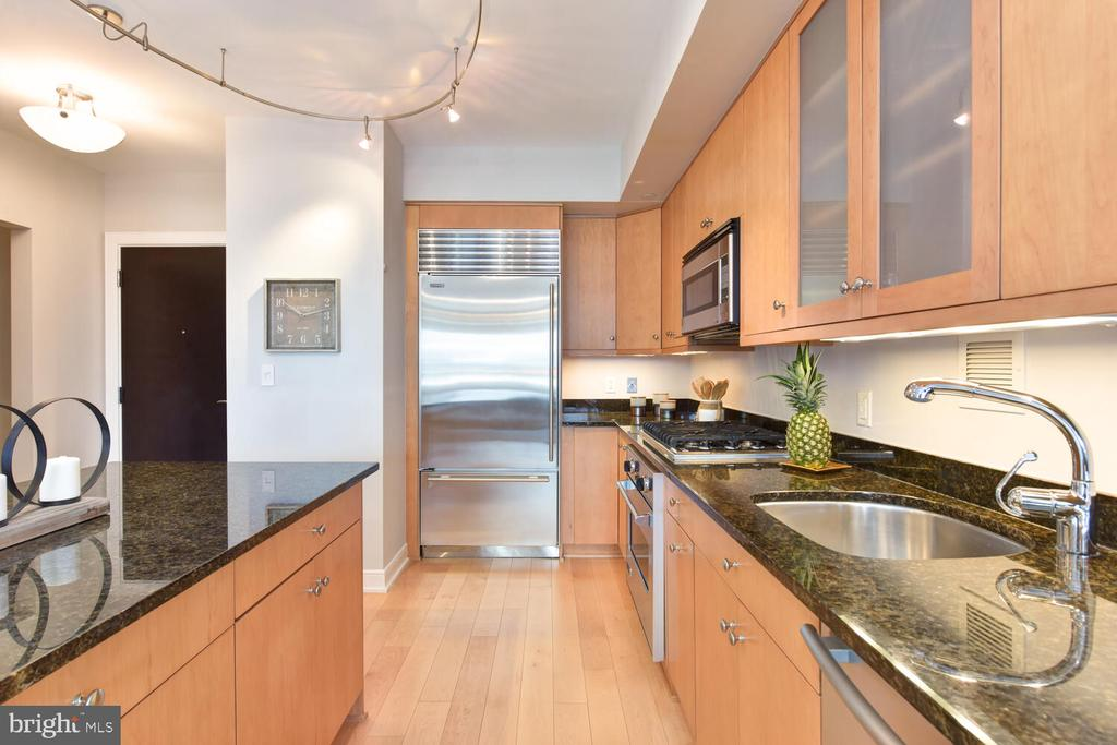 So much prep space and gleaming SS appliances - 1111 19TH ST N #2006, ARLINGTON
