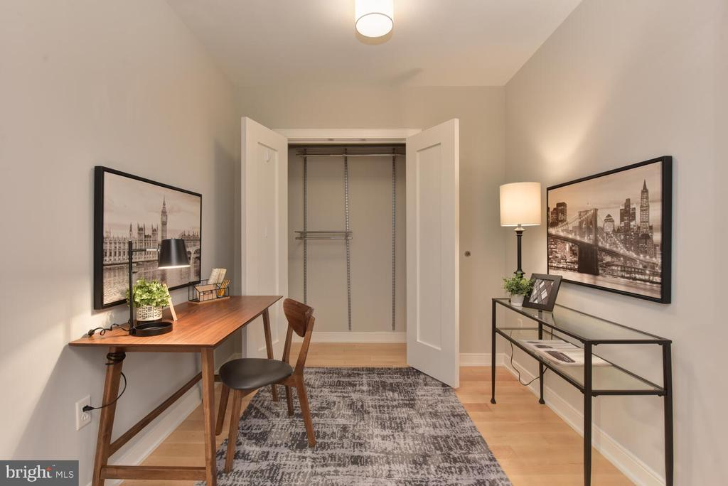 Check out the huge closet in this Den - 1111 19TH ST N #2006, ARLINGTON