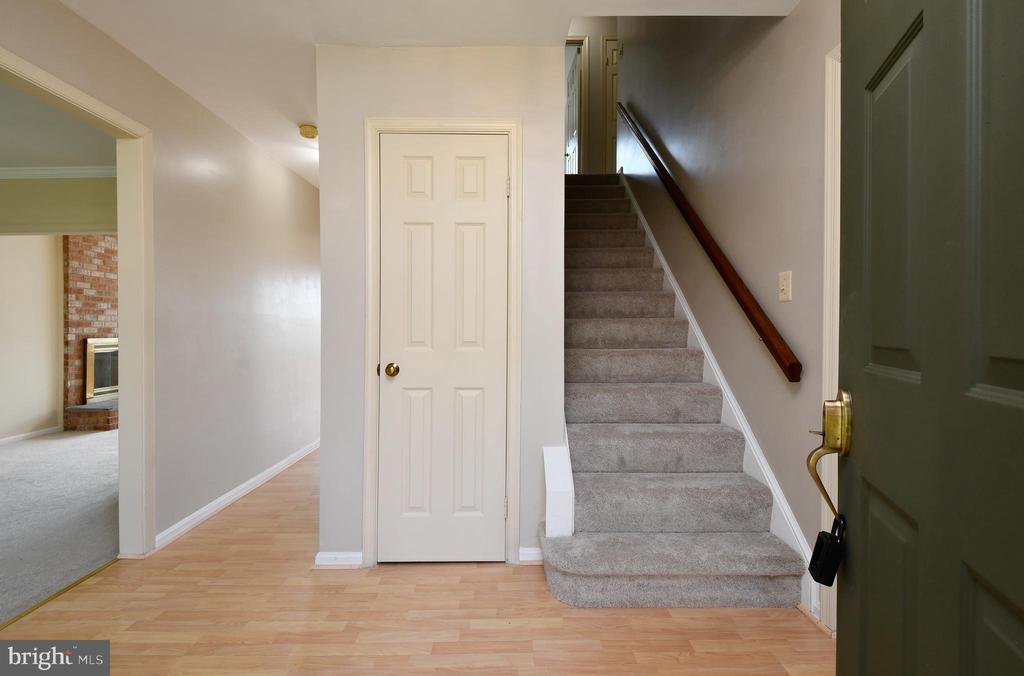 Upgraded carpet - 5316 DUNLEIGH DR, BURKE