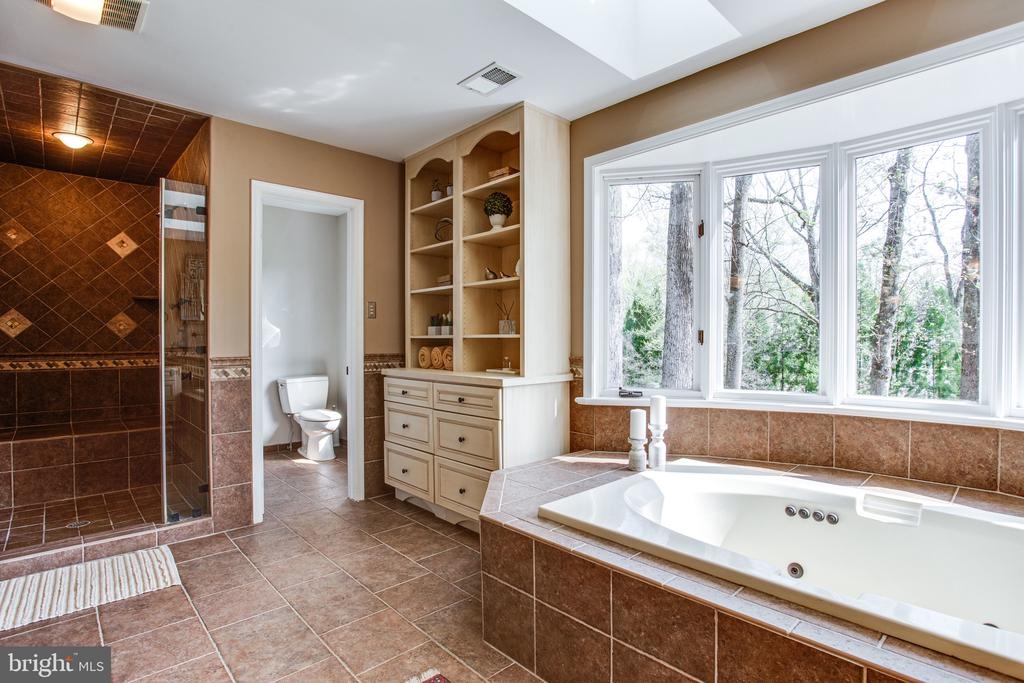 Private commode with bidet - 847 WHANN AVE, MCLEAN